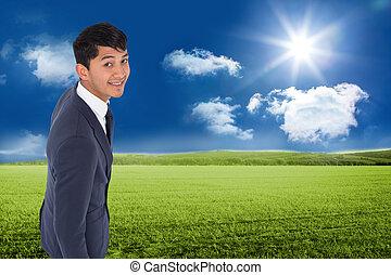 composiet, wandelende, het glimlachen, zakenman, ongedwongen, beeld