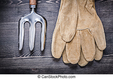 Composition of trowel fork leather safety gloves agriculture con