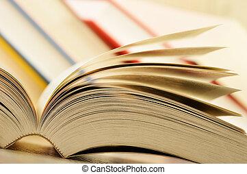 composizione, con, libri, tavola