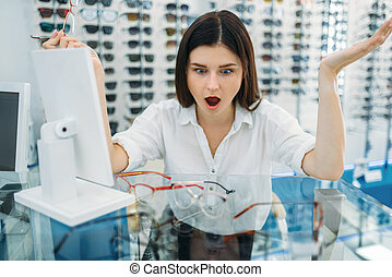 comprador, sorprendido, efecto, hembra, anteojos