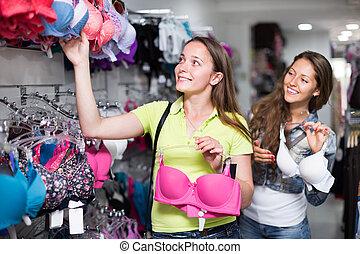 comprando, mulher, brassiere