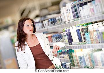 compras de mujer, serie, -, joven, champú, tenencia