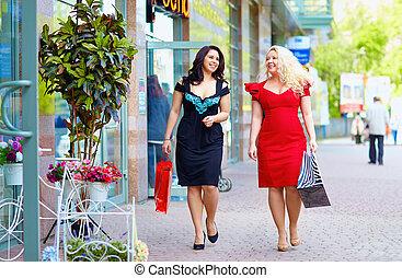 compras, feliz, más, mujeres, tamaño