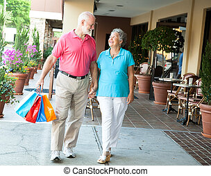 compras, seniors, -, proceso de llevar, ella, bolsas