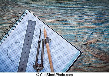 comprobado, copybook, regla, compás de dibujo, lápiz, en, vendimia, de madera
