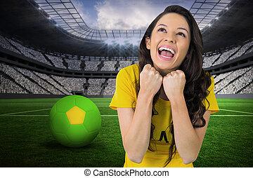 compuesto, tshirt, excitado, brasil, ventilador fútbol, ...