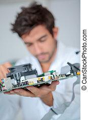 computador, engenheiro, resolvendo problema