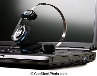computador portatil, auriculares