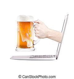 computador portatil, lado, vista., cerveza, brindar