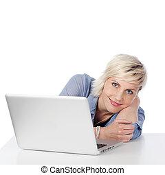 computador portatil, mujer, atractivo, joven