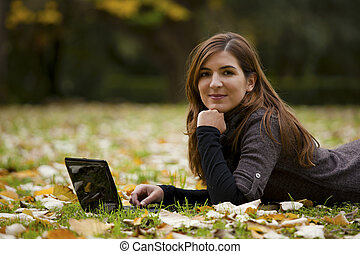 computador portatil, mujer, trabajando