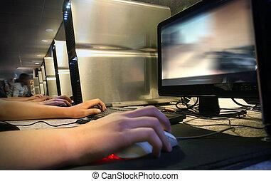 computadora, juego, en, café del internet