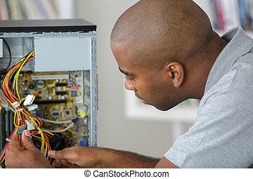 computer, bedrading, werkende , man