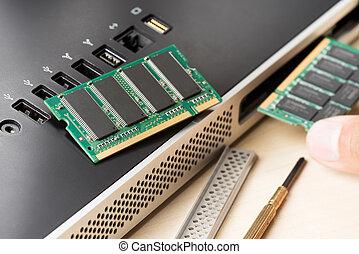 RAM - computer memory (RAM), Upgrading the personal...