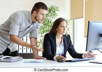 computer, omgooien, businesspeople, werkende