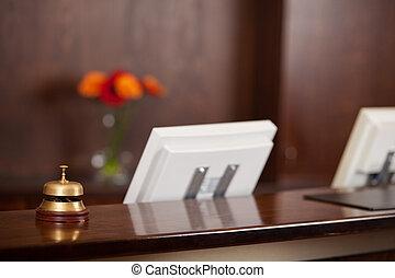 computer, und, glocke, an, rezeptionsplatte