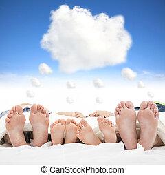 conceito, família, cama, dormir, sonho, nuvem