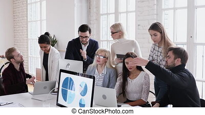 concentré, age moyen, fonctionnement, processus, collègues., éditorial, impliqué