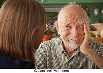 concentrer, maison, couple, homme aîné