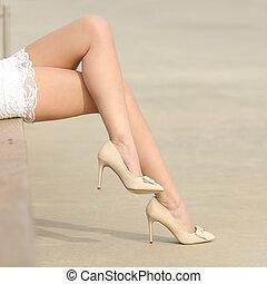 concept, beauté, ciré, déménagement, cheveux, femme, jambes
