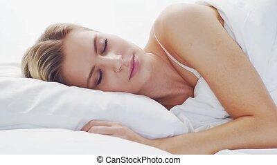 concept., bedroom., matin, jeune, mensonge, bed., dormir, ...