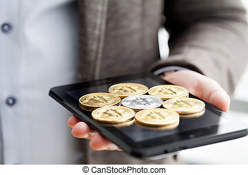 concept, bitcoin, screen., main, téléphone, tenue, intelligent