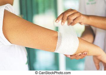 concept, -, blessure, premier, coude, bander, santé, aide, médecine, poignet, infirmière, blessure, bras, soin