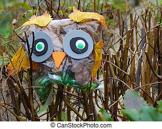 Concept ceativity toy owl bird background craft - Cute owl...