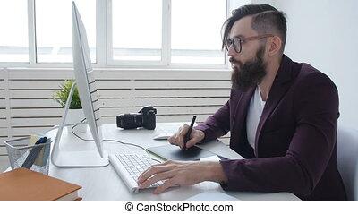 concept, concepteur, bureau fonctionnant, photographe, photographie, tablette, jeune, graphique, professionnel, élégant, design., homme