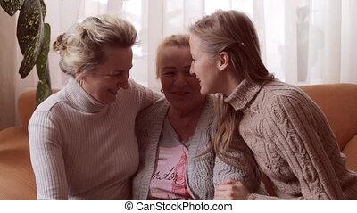 concept, dochter, gezin, kleindochter, hun, grootmoeder., kus, vrolijke