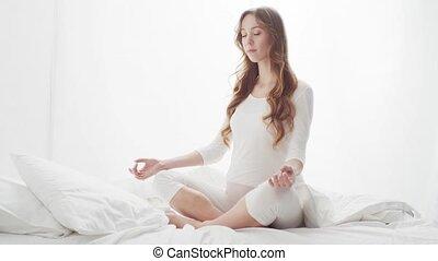 concept, femme, grossesse, pregnant, heureux, maternité, espérance, meditating.