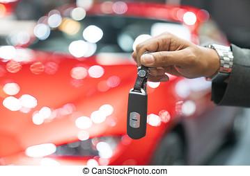 concept, gens, donner, voiture, -, haut, affaire, vente, clã©, fin, propriétaire, nouveau, revendeur, geste