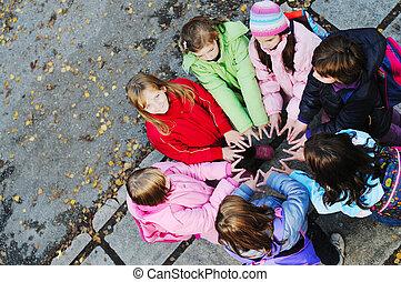 concept, groep, jonge, schoolgirls, teamwork, vriendschap