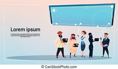 concept, groupe, réseau, gens, communication, gadgets, mélange, course, social, utilisation