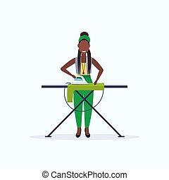 concept, plat, femme, fer, girl, repassage, africaine, caractère, ménage, femme foyer, longueur, entiers, femme, tenue, américain, sourire, dessin animé, vêtements