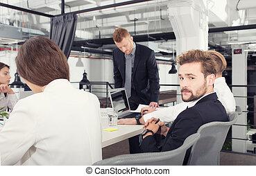 concept, professionnels, bureau., travail, association, ensemble, collaboration
