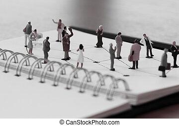 concept, réseau, gens, bois, média, social, haut, diagramme, miniature, cahier, bureau, fin, ouvert