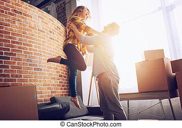 concept, reussite, avenir, positivité, couple, heureux, tout, packages., avoir, mouvement, arranger, changement