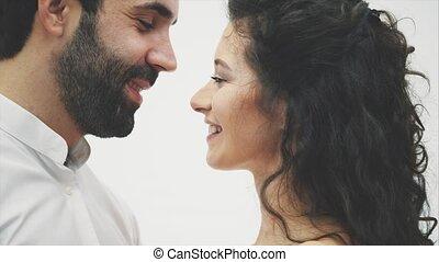 concept, sensualité, autre., femme souriant, sensuelles, plus proche, love., jeune, closed., apprécier, heureux, yeux, sien, intime, couple., toucher, portrait., baiser, gros plan, obtenir, figure, nez, chaque, aimer, côté, mari