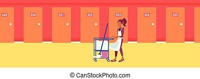concept, service étage, femme, femme chambre, ouvrier, hôtel, moderne, charrette, bonne, américain, nettoyage, couloir, africaine, intérieur, fournitures, horizontal, bannière, ménage