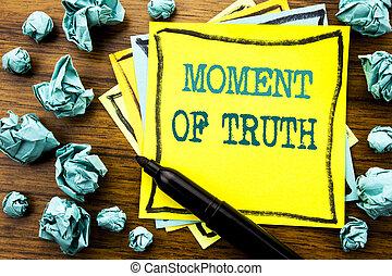 concept, texte, dur, jaune, papier collant, marqueur, pensée, décision, plié, note, truth., écrit, manuscrit, business, projection, pression, signification, fond, papier, moment, bois
