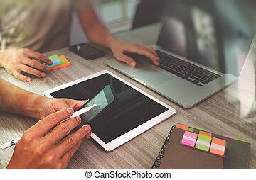 concept, toile, collègues, sien, informatique, fonctionnement, tablette, main, téléphone, concepteur, conception, numérique, sensible, confection, présentation, intelligent