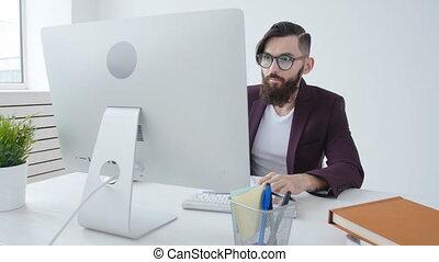 concept, travailler free-lance, bureau, work., ouvrier, jeune, lieu travail, mâle
