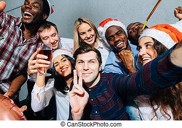 concept, types, chapeaux, filles, santa, année, nouveau, noël, partie., selfie