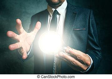 concept, zakelijk, licht, creativiteit, hand houdend, zakenman