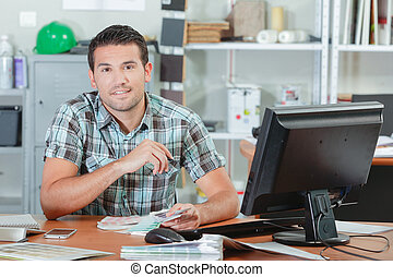 concepteur, assis, à, sien, bureau