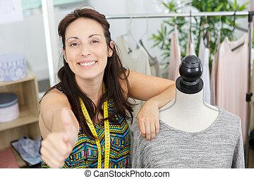 concepteur, femme, mode, d'accord, projection, signe