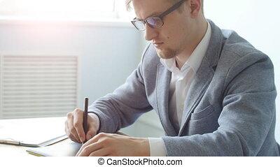 concepteur, tablette, bureau, concept., travail, mâle jeune, graphique, travaux