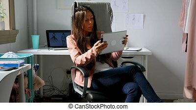 concepteur, tablette, utilisation, conception mode, 4k, numérique, studio