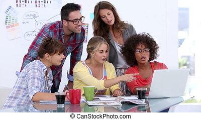 concepteurs, groupe, fonctionnement, recouvrement